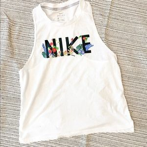 3/30 Deal ! Dry-Fit Nike shirt